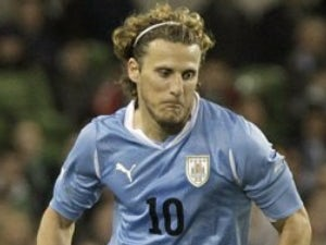 Agent: 'Forlan will not leave Inter'
