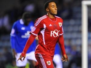 Leeds switch attention to Maynard?