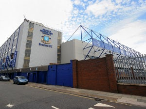 Everton youngster in car crash