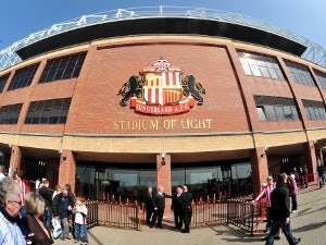 Rihanna to perform at Stadium of Light