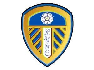 Brown signs new Leeds deal