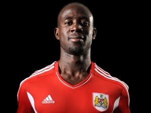 Swansea close in on Adomah