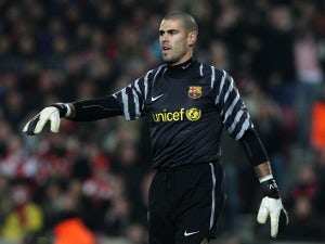 Roma shortlist Barcelona's Victor Valdes?