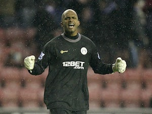 Al Habsi delighted with Martinez stay