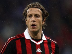 West Ham miss out on Ambrosini