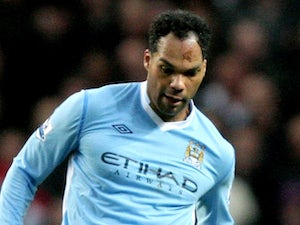 Lescott 'to hold Man City talks'