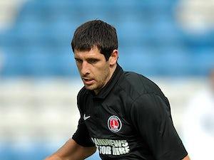 Hollands joins Swindon on loan