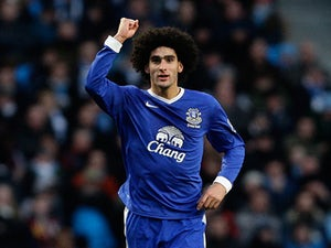 Man United make Baines, Fellaini contact?