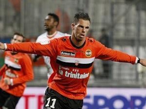 Lyon admit Aliadiere interest