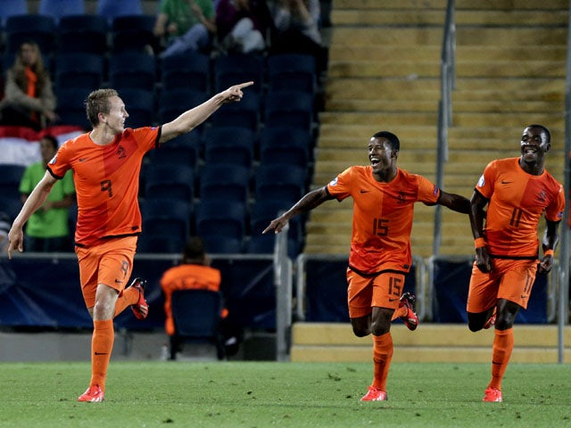 Result: Netherlands thump 10-man Russia