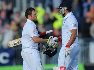Botham: 'Bell and Pietersen crucial for England'