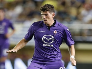 Fiorentina striker Mario Gomez in action against Villarreal on August 8, 2013