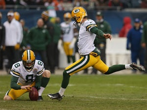 Half-Time Report: Crosby kicks give Packers lead