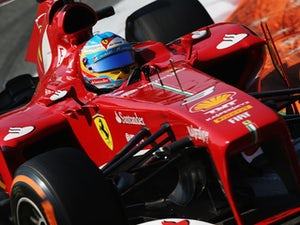 Alonso sees chance to overtake