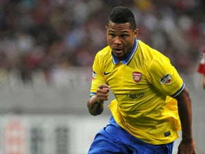 Gnabry signs new Arsenal contract
