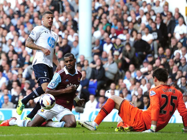 West Ham United's Portuguese striker Ricardo Vaz Te scores his team's second goal during the English Premier League football match between Tottenham Hotspur and West Ham United at White Hart Lane in London on October 6, 2013