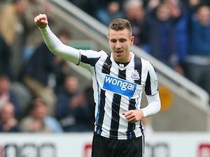 Dummett pens new contract at Newcastle