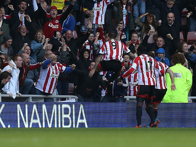 Sunderland's Steven Fletcher celebrate scoring against Newcastle United on October 27, 2013