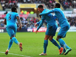 United, City to battle for Spurs duo?