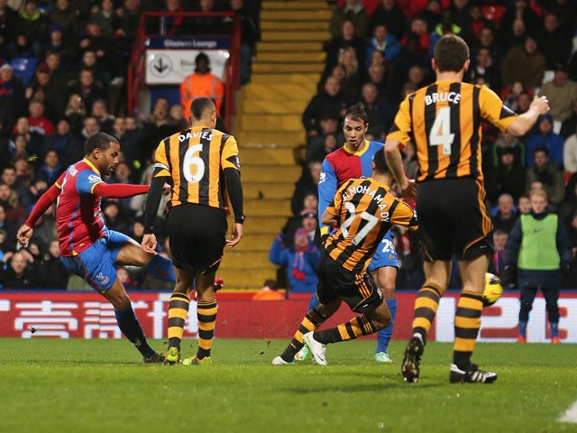 Jason Puncheon of Crystal Palace scores the opening goal during the Barclays Premier League match between Crystal Palace and Hull City at Selhurst Park on January 28, 2014