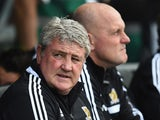 Hull manager Steve Bruce prior to kick-off against Fulham in the Premier League match on April 26, 2014