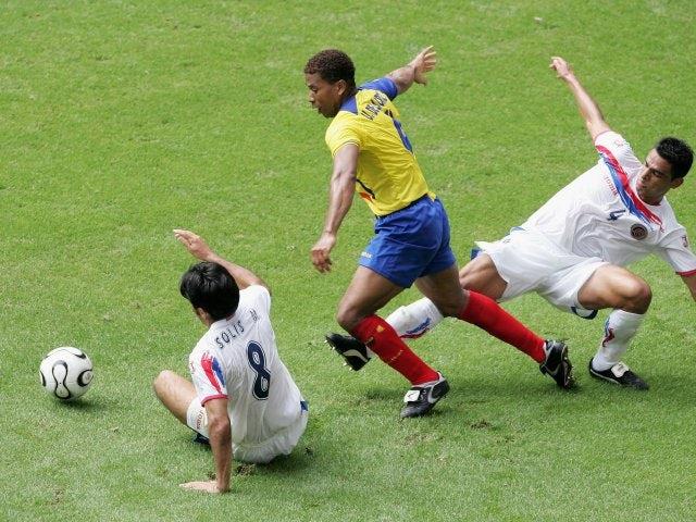 Ecuador defender Ulises de la Cruz battles for possession against South Korea on June 15, 2006.