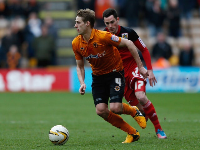 Dave Edwards of Wolves runs with the ball during the npower Championship match between Wolverhampton Wanderers and Bristol City at Molineux on March 16, 2013