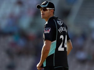 Pietersen brushes off Surrey omission