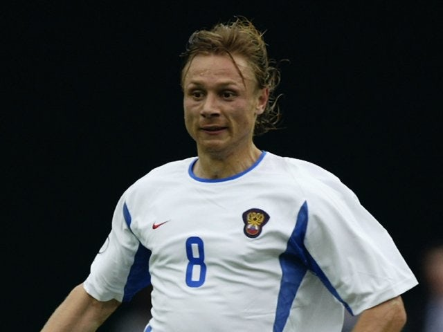 Midfielder Valeri Karpin in action for Russia at the World Cup on June 14, 2002.