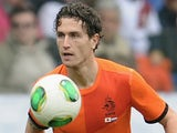 Daryl Janmaat of Netherlands controls the ball during the International Friendly match between the Netherlands and Japan on November 16, 2013