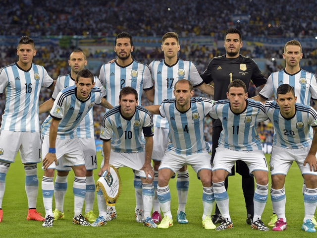 Argentina's national team players pose during the Group F football match between Argentina and Bosnia Hercegovina at the Maracana Stadium in Rio De Janeiro during the 2014 FIFA World Cup on June 15, 2014