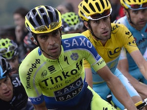 Contador extends Vuelta lead with solo win