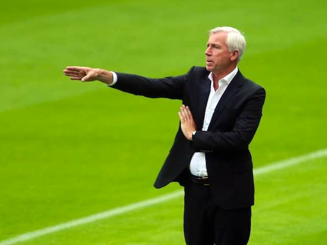 Newcastle boss Alan Pardew gives instructions during his side's friendly with Real Sociedad on August 10, 2014