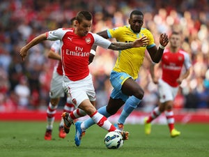 Wenger: Debuchy injury