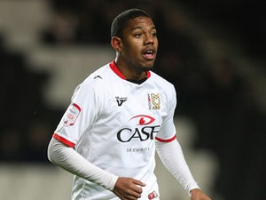 Angelo Balanta joins Bristol Rovers