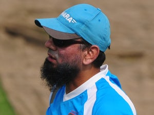 Mushtaq offers Ajmal