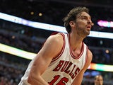 Pau Gasol #16 of the Chicago Bulls looks to pass against the Toronto Raptors at the United Center on March 20, 2015