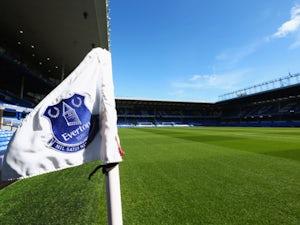Everton 'to bid for Ajax defender'