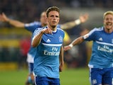 Nicolai Muller celebrates scoring for Hamburg against Borussia Monchengladbach on September 11, 2015