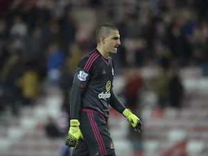 Mannone 'to join Reading in £2m deal'