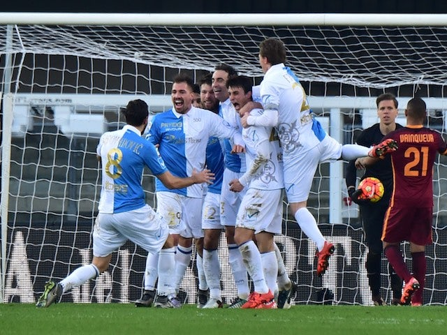Dario Dainelli scores during the game between Chievo and Roma on January 6, 2016