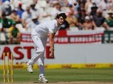 Steven Finn in action on day three of the second Test between South Africa and England on January 4, 2016