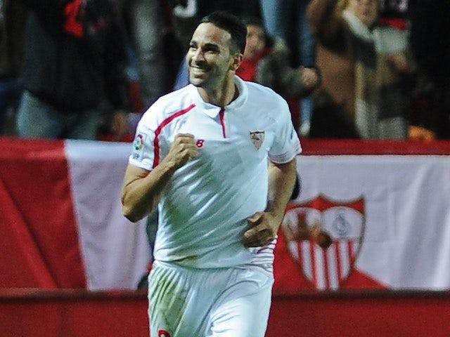 Adil Rami celebrates during the Copa del Rey semi-final between Sevilla and Celta Vigo on February 4, 2016