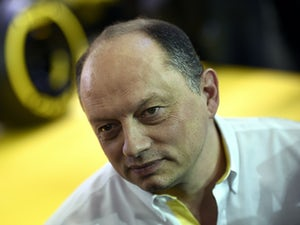 Renault not ruling out 'B' car in 2016