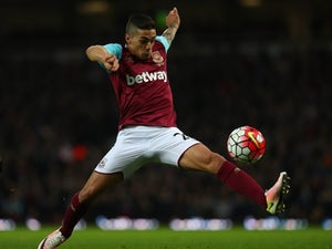 Lanzini poised for new West Ham deal
