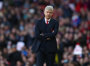 Arsene Wenger denies dressing-room row