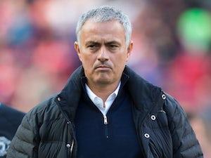 Mourinho: 'Referee under real pressure'