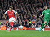 Arsenal's Alex Oxlade-Chamberlain scores his side's third goal against Ludogorets on October 19, 2016