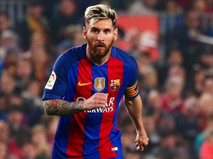 Tapia calls for Messi to play less for Barca
