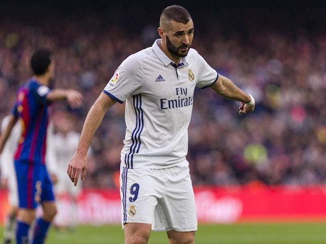 Karim Benzema agrees a new contract with Real Madrid